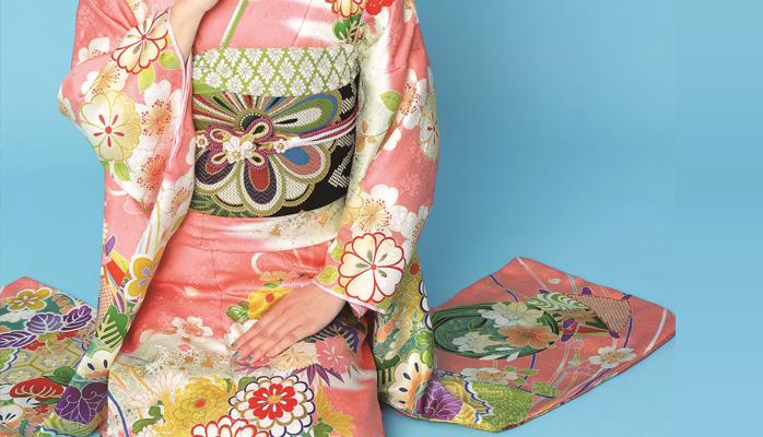 振袖や着物を着た時の作法、マナーをしっかり身につけて誰もが振り返る振袖美人に♪